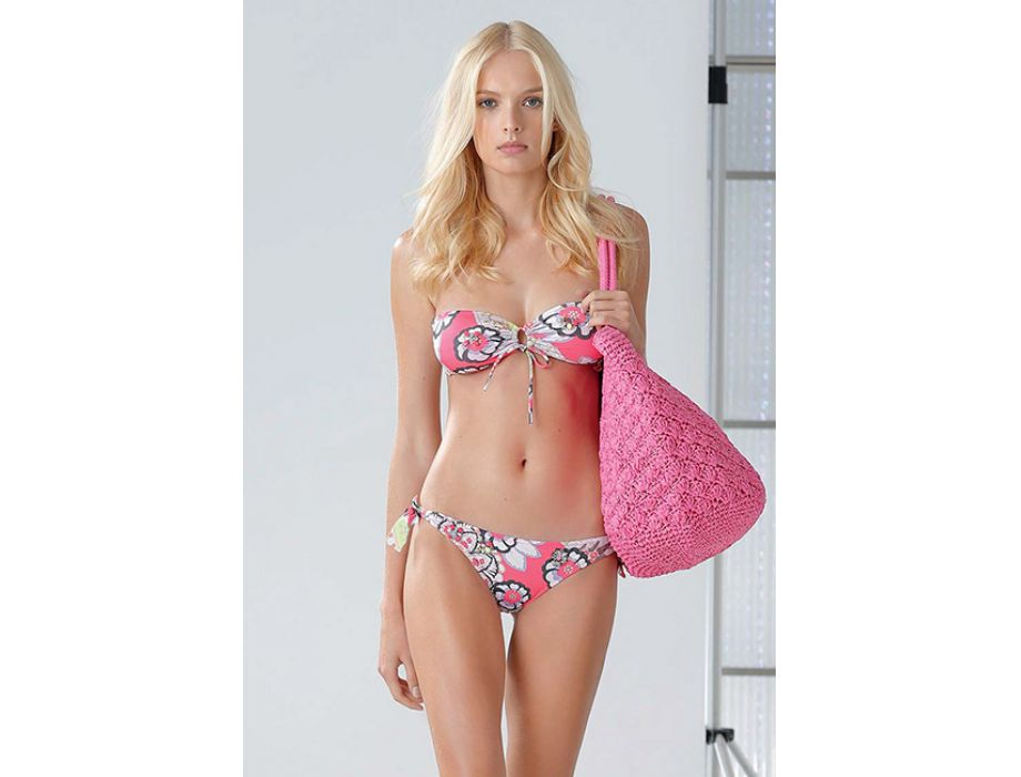 special for shoe pick up entire collection Blumarine Beachwear Collection : Elda Elegance